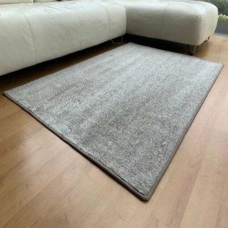 - Vopi Kusový koberec Capri taupe